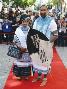 Mandla Mandela & wife African Fashion Dresses, African Dress, Traditional Wedding, Traditional Outfits, Xhosa Attire, African Wedding Dress, Wedding Dresses, African Design, African History