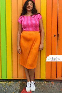 Arancio e fucsia per rendere il tuo look unico e speciale. Disegna il tuo stile Daniela Salinas Style Coach www.danielasalinas.com seguimi su instagram dsfashionbook Curvy Fashion, Fashion Looks, Waist Skirt, High Waisted Skirt, Skirts, Style, Instagram, Swag, Skirt