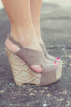 Crossed Over Wedges in Soft Grey with a bright hot pink toe nails