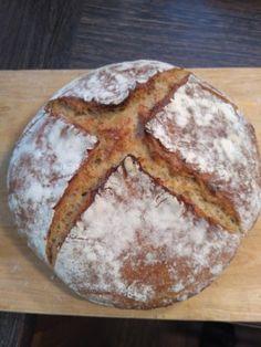 Kváskový chlieb pšenično-ražný • recept • bonvivani.sk Bread, Food, Kitchen, Cooking, Brot, Essen, Kitchens, Baking, Meals