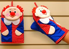 Забавные прихватки в виде рукавичек. Funny potholders as mittens.