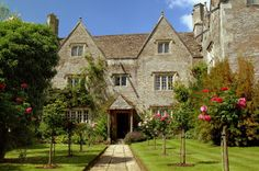 Kelmscott Manor. William Morris' country home from 1871 until his death. Featured in his utopian work, News from Nowhere.