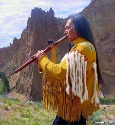 Charles Littleleaf, born in Warm Springs, Oregon, is a Native American flutist and traditional flute maker. He was instructed in the ways of playing the Native American flute by recording artist, R. Native American Wedding, Native American Cherokee, Native American Music, Native American Wisdom, Native American Photos, Native American Tribes, Native American History, American Indians, American Art