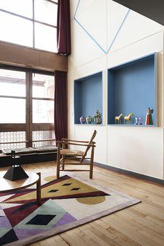 Alessandro Mendini vs Le Corbusier a l'Appartement 50 de la Cite Radieuse Le Corbusier, Drawing Furniture, World Of Interiors, Estilo Retro, House Rooms, Interiores Design, Interior Inspiration, Interior Architecture, House Design