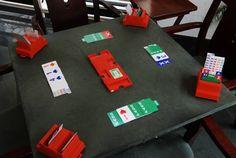 În bridge s-au conceput diferite sisteme de licitare pentru a permite partenerilor să își descrie mâinile reciproc, astfel încât să poată ajunge la contractul optim. Bridge, Tours, Poker Table, Nerf, Games, Mansart, Furniture, Home Decor, Friday