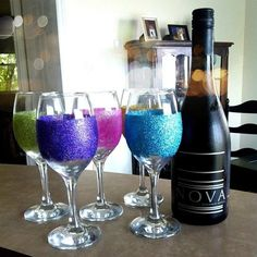 16 Useful DIY Ideas How To Decorate Wine Glass |