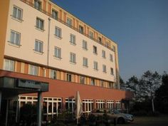 Chemnitz ACHAT Comfort Messe-Chemnitz Germany, Europe Set in a prime location of Chemnitz, ACHAT Comfort Messe-Chemnitz puts everything the city has to offer just outside your doorstep. The property features a wide range of facilities to make your stay a pleasant experience. All the necessary facilities, including free Wi-Fi in all rooms, 24-hour front desk, facilities for disabled guests, express check-in/check-out, room service, are at hand. All rooms are designed and decora...
