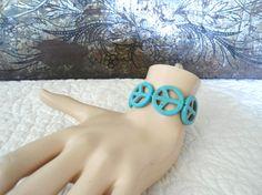 Hippie Boho Bracelet Peace Sign Bracelet Elastic by LandofBridget