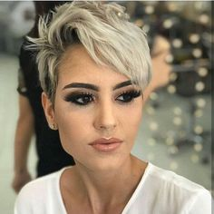 Wanna style your pixie hair looks? No need to search anymore, just see here for more amazing trends of pixie hairstyles for short hair looks in You have to know that pixie has become best short hair styles for ladies to wear nowadays. Edgy Pixie Hairstyles, Women Pixie Haircut, Short Shaved Hairstyles, Blonde Haircuts, Haircut For Thick Hair, Short Pixie Haircuts, Short Hairstyles For Women, Short Hair Cuts, Short Blonde Pixie