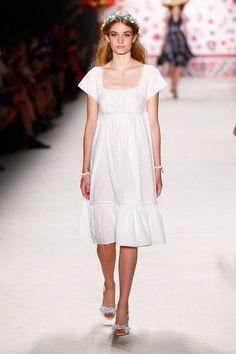 ss-2016_fashion-week-berlin_de_lena-hoschek_56145