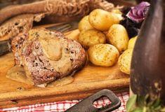 Μοσχάρι Συνταγές - Συνταγή με Μοσχάρι | Argiro.gr Food Categories, Baked Potato, Sausage, Food And Drink, Potatoes, Beef, Baking, Vegetables, Ethnic Recipes