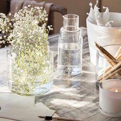 La luz natural es emocionante!!!! Mi detalle inspiracional para un reportaje que publicamos en la revista@el mueble. Estilismo #elisabethvidri fotografía #oromipepa #flores #luz #styling #decoracion #velas