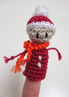 inge snuffel: Kerstvingerpopjes haken deel 2: een kerstmannetje