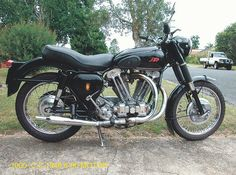 JAP 1000cc in BSA frame British Motorcycles, Old Motorcycles, Classic Motors, Classic Bikes, Motorcycle Engine, Classic Cartoons, Cool Bikes, Motorbikes, Cycling