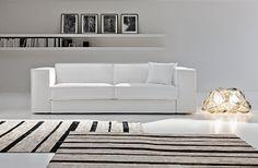 Questo divano appartiene alla collezion X-SYSTEM, un programma che nasce dalla riflessione di nuovi desideri e dove il piacere è l'inaspettato: per cambiare forma basta alzare lo schienale, per aumentare l'appoggio lombare basta ruotare il poggiareni. Attraverso una vasta gamma di elementi versatili concede il piacere di comporre per creare soluzioni mirate che si adattano ad esigenze e stili diversi.  Formarredo Due Lissone - Milano - Monza e Brianza