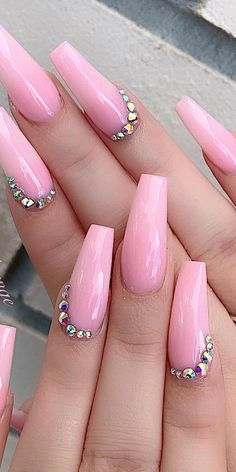 32 Super Cool Pink Nail Designs That Every Girl Will Love Pink Rhinestone Nail Art pinkacrylicnails pinknails rhinestonesnails Pink Acrylic Nail Designs, Light Pink Acrylic Nails, Nail Designs Bling, Hot Pink Nails, Nails Design With Rhinestones, Pink Nail Art, Best Acrylic Nails, Nail Art Designs, Pink Bling Nails