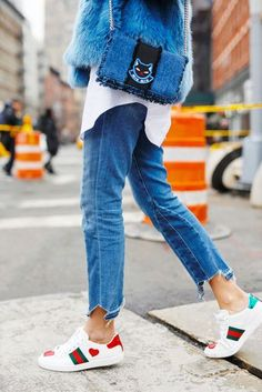 Jeans: tumblr blue denim cropped sneakers white sneakers low top sneakers gucci gucci shoes bag