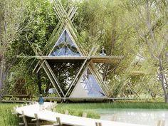 Projeto de hotel ecológico feito com bambu