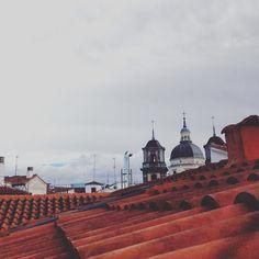 Tejado mojado #madrid #domingo #lalatina by felixgalvezporro