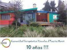 Comunidad Terapéutica Vínculos de Puerto Montt cumple 10 años! - Comunidad Vinculos Shed, Outdoor Structures, Cabin, House Styles, Outdoor Decor, Home Decor, Community, Doors, Meet