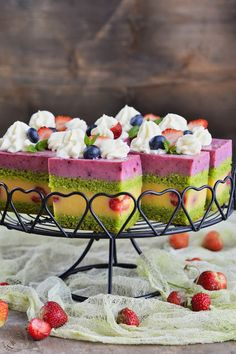 Food Cakes, Cupcake Cakes, Cheesecake Cupcakes, Russian Recipes, Delicious Desserts, Cake Recipes, Cheesecakes, Strawberry, Food And Drink