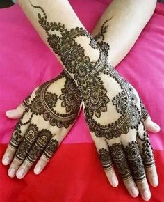 Mehndi henna designs are always searchable by Pakistani women and girls. Women, girls and also kids apply henna on their hands, feet and also on neck to look more gorgeous and traditional. Henna Hand Designs, Mehndi Designs Finger, Latest Arabic Mehndi Designs, Stylish Mehndi Designs, Mehndi Designs For Girls, Latest Mehndi Designs, Mehndi Designs For Hands, Henna Tattoo Designs, Dulhan Mehndi Designs