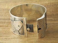 Personalized Jewelry Joe Silvera: Custom Made Koi Fish Bracelet With Box Clasp Jewelry Clasps, Bracelet Clasps, Metal Bracelets, Metal Jewelry, Custom Jewelry, Jewelry Art, Jewelry Bracelets, Handmade Jewelry, Jewelry Design