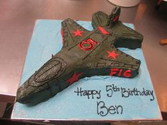 50 Best Airplane Birthday Cakes Ideas And Designs Airplane Birthday Cakes, Camo Birthday, Birthday Sweets, Army's Birthday, Airplane Party, Baby Boy Birthday, Birthday Ideas, Happy 5th Birthday, Fighter Jet Cake