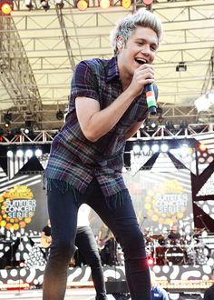 One Direction Perform On ABC's 'Good Morning America' - 8/4