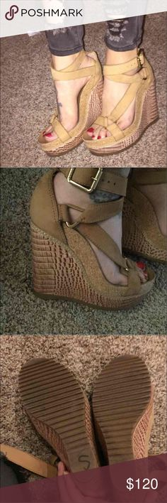 Like new Tory burch brown authentic wedges Size 7.5 . Worn once . 100% authentic . Super cute !! Pair them with some jeans and your good to go!! Tory Burch Shoes Wedges