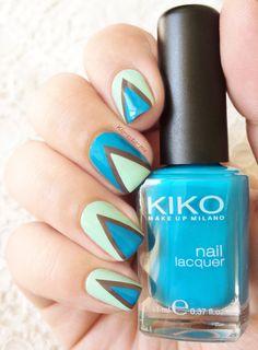Blue Triangles– Kiko 341– China Glaze : Foie Gras n°80614– Essie : Fashion Playground