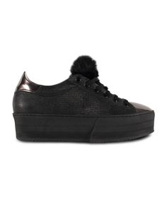 GRUMMAN sneaker for stylish & comfy walks. New Sneakers, All Black Sneakers, Walks, Corner, Comfy, Stylish, Shoes, Fashion, Moda