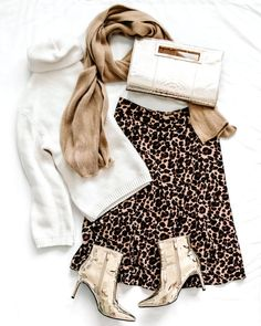 Leopard print skirt in winter with gold booties - flat lay fashion Source by savvycamel clothing photography Flat Lay Photography, Clothing Photography, Photography Women, Photography Ideas, Grunge Photography, Urban Photography, White Photography, Flat Lay Inspiration, Leopard Print Skirt