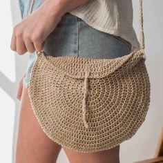 Ravelry: Basking Crossbody Bag pattern by Ashlyn Holmes Bag Crochet, Crochet Shell Stitch, Crochet Handbags, Crochet Purses, Crochet Lace, Crochet Summer, Simple Crochet, Crochet With Hemp, Crochet Skirts
