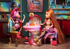 Ever After High Poppy and Holly