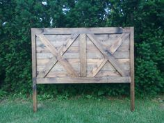 *****Local customers only, (Pennsylvania/Maryland) WE DO NOT SHIP ****  **This listing is for an X rustic farmhouse headboard. This beautiful headboard is made from solid pine. Waste no more time looking at overpriced headboards when you can find exactly what you are looking for at the most reasonable price.**  Headboards are handmade and can be customized to your liking. Each piece of the headboard is distressed, sanded, stained, and treated to ensure longevity. **Sizes include: Twin…