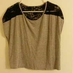 Crop top Lace detailed crop top. Has an oversized fit. Very comfy! Forever 21 Tops Crop Tops