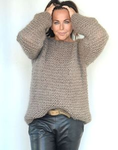 Easy Sweater Knitting Patterns, Knitting Designs, Mohair Sweater, Knit Fashion, Sweater Outfits, Crochet Clothes, Knit Crochet, Knitwear, Sweaters For Women