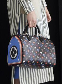 Louis Vuitton New Bags, Louis Vuitton Backpack, Louis Vuitton Neverfull Gm, Louis Vuitton Monogram, Edgy Shoes, Black Leather Handbags, Fashion Bags, High Fashion, Handbag Accessories