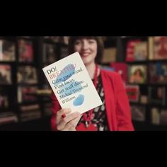 'You know it's a good idea if it hits you within three breaths'. The inimitable @whatkatiewore from @motherlondon selects #dobreathe for @googleuk's #BookmarkThink - and talks books, advertising & emotional insight in short film (2 min). Link in bio👆🏻#booksfordoers