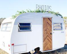 Camper Photo Booth – Famous Last Words Scotty Camper, Serro Scotty, Vintage Caravans, Vintage Trailers, Vintage Camper Redo, Vintage Rv, Canned Ham Camper, Retro Campers, Vintage Campers