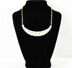 Vintage White And Gold Necklace| Goldtone Necklace| Circa 1950| White and Gold| Gift for her| Valentines Da| Valentine's Day Gift| Wife Gift
