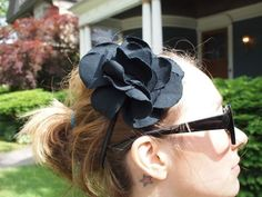 These fabric hair flower headbands are the cutest, easiest, and most fun way to accessorize any outfit!!!