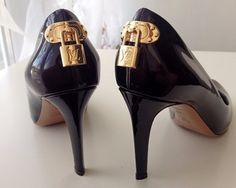 Louis Vuitton Patent Patent Leather Burgundy Pumps