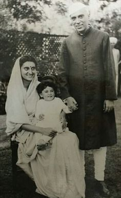 """Young Sonia Gandhi with her mother-in-law Indira Gandhi. """"Indira Gandhi was not a figure of history for me, she was my mother-in-law, lived under the same roof, shared joys and sorrows,"""" said Sonia Gandhi over the weekend. Rare Images, Rare Pictures, Historical Pictures, Rare Photos, History Of India, History Photos, History Facts, Mahatma Gandhi Photos, Rajiv Gandhi"""