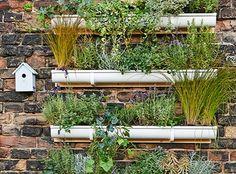 Dieser Vertical Garden bringt die Natur auch auf kleine Balkons oder Terrassen Vertical gardening anyone? :-D #bosch #makeityourhome