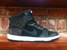new style 79931 68baf Nike SB Dunks Camo