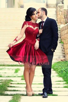 2015 Beautiful Prom Dresses Short A-Line Scoop Long Sleeves With Applique