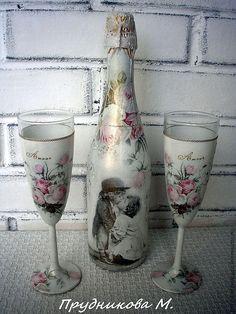 Wine Bottle Crafts, Bottle Art, Decoupage Jars, Decorated Wine Glasses, Wedding Glasses, Altered Bottles, Recycled Bottles, Vase, Bottles And Jars