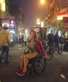 #Azië #India #New_Delhi #travel #travelforall #travel4all #travelgram #travellingthroughtheworld #travelagent #traveljunkie #traveladdict #travelblogger #DisabledTravel #bucketlist #luggage #wheelchairtravel #wheelchairtrip #wheeliesaroundtheworld #wheelchairaccessible #WheelchairAccessibleTourism #wheelchairfriendly #wheelchairlife #lifeonwheels #wheelchair #wheelchairgirl #girl #disability #accessibility #accessibletravel #accessibletourism #fauteuilroulant #voyage #handicap #lonelyplanet Manual Wheelchair, Lonely Planet, Continents, Lady, Athlete, Tourism, Travel, Holiday, Turismo